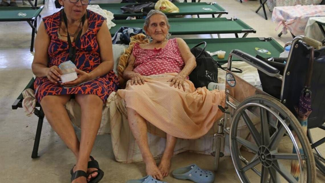 Puerto Ricans struggle with Hurricane Maria aftermath, but dam threat eases - Miami Herald