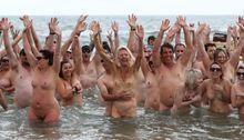 weltrekordversuch nacktbaden in neuseeland slide 12 news at