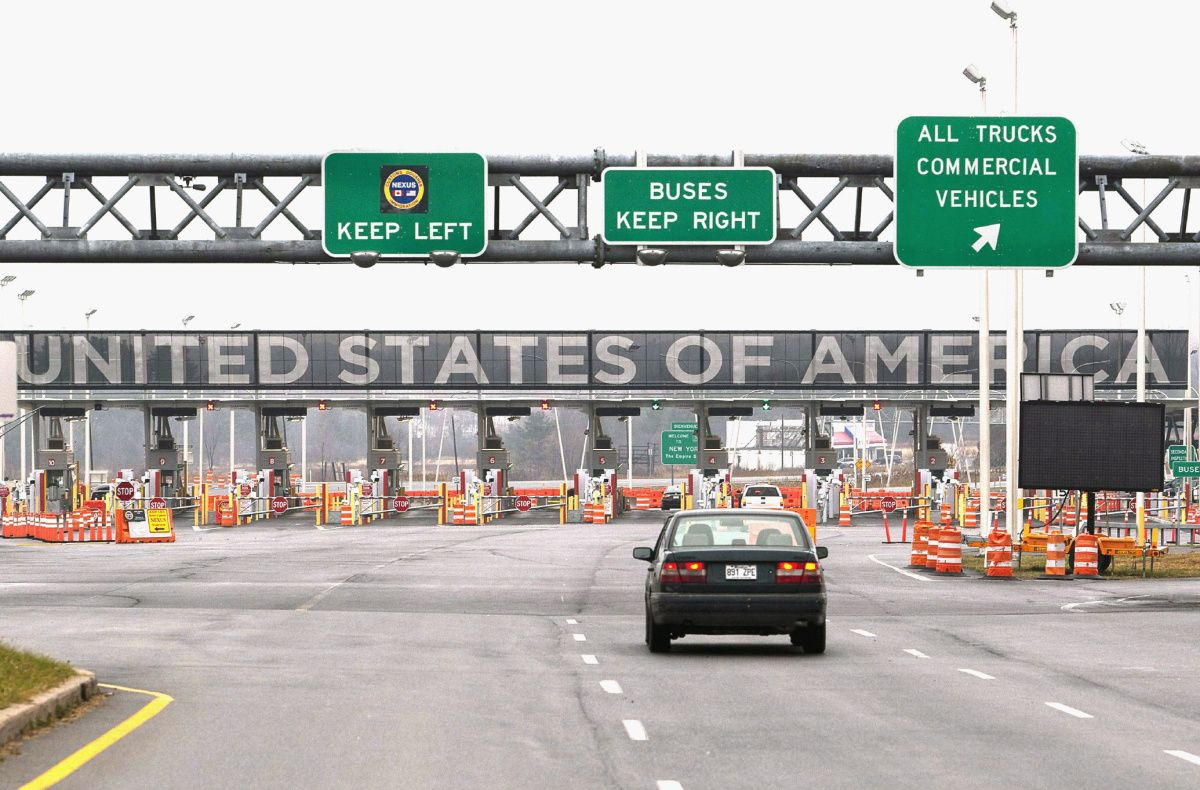 Major U.S.-Canada border crossing reopens south of Montreal after bomb threat
