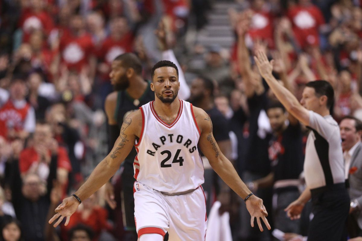 LIVE: Raptors lead the Bucks at the half in Game 5