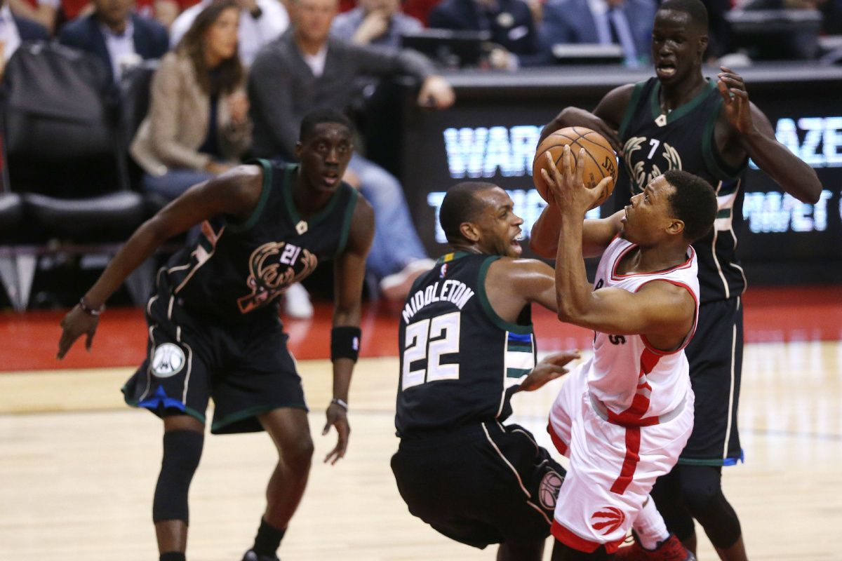 LIVE: Raptors have 13-point lead over Bucks going into fourth quarter