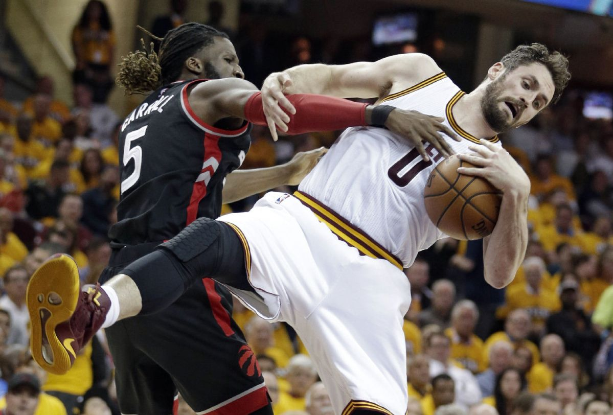 Raptors crash in Game 1 vs. Cavaliers