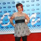 Nikki McKibbin At 2009 American Idol Finale - Arrivals | TopNews