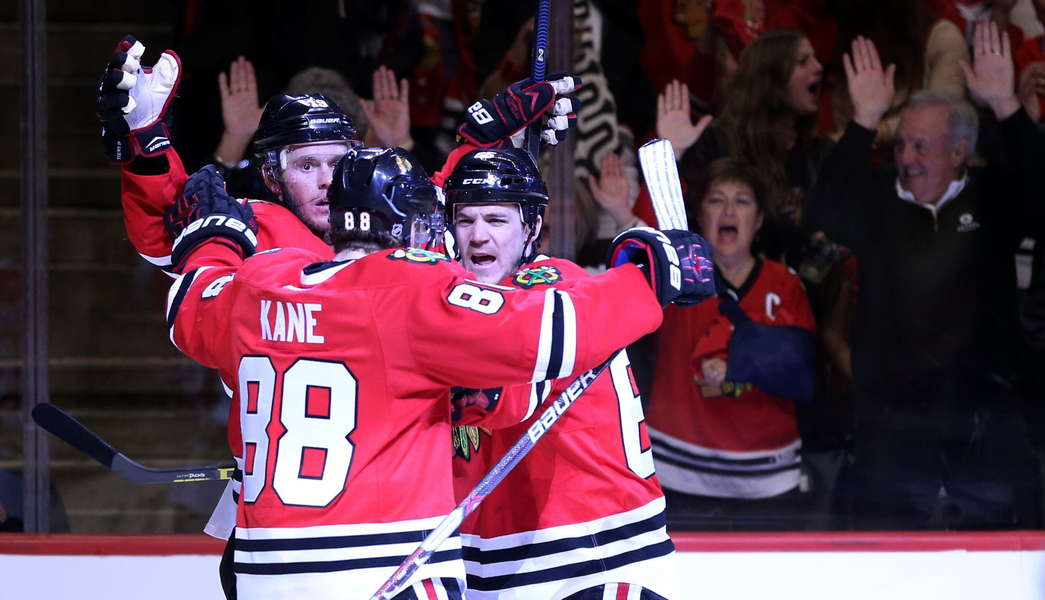 Blackhawks even series with 6-3 victory over the Blues - Chicago Tribune
