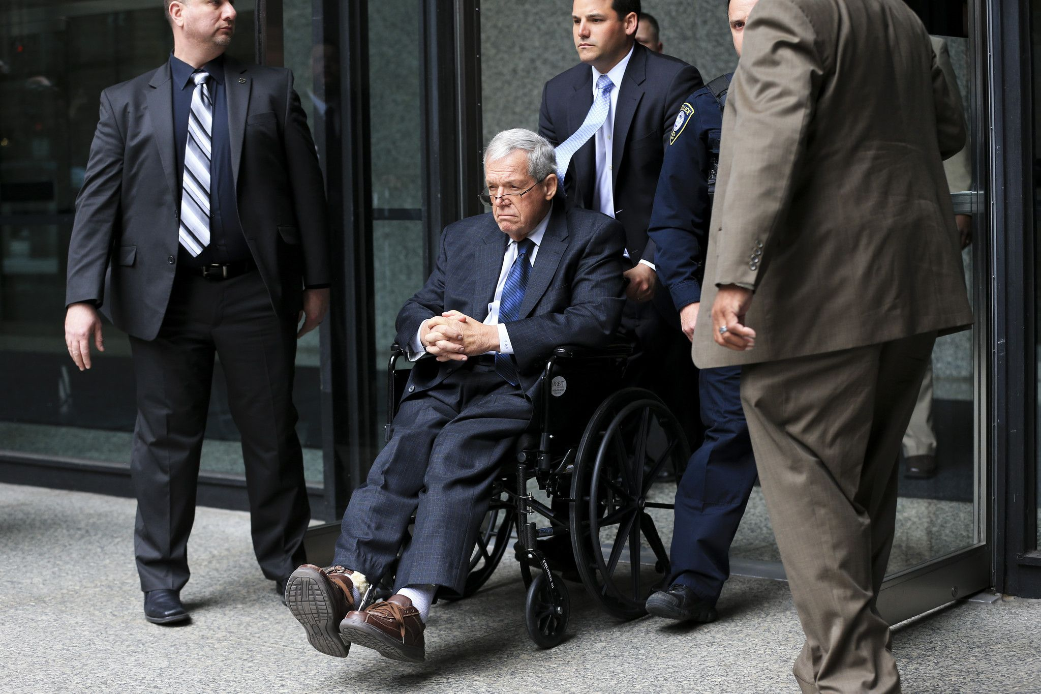 Dennis Hastert learns his fate today: prison or probation - Chicago Tribune