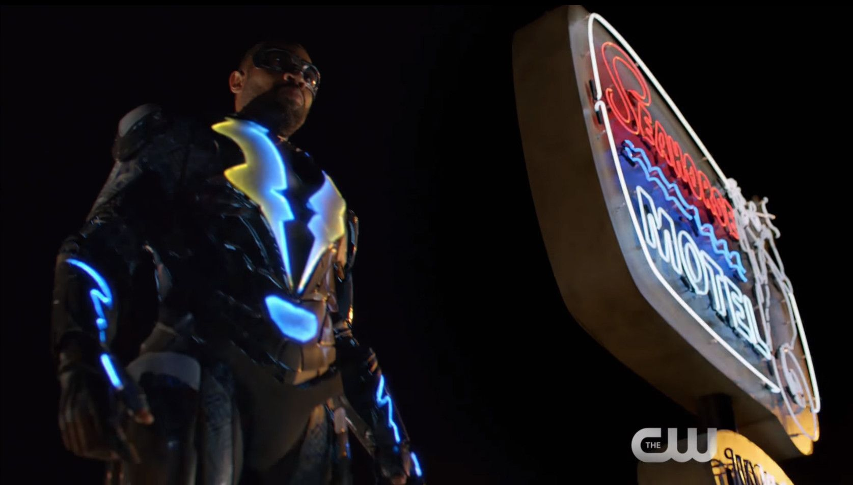 The CW's first 'Black Lightning' trailer shows a retired superhero's return to fighting crime - Los Angeles Times