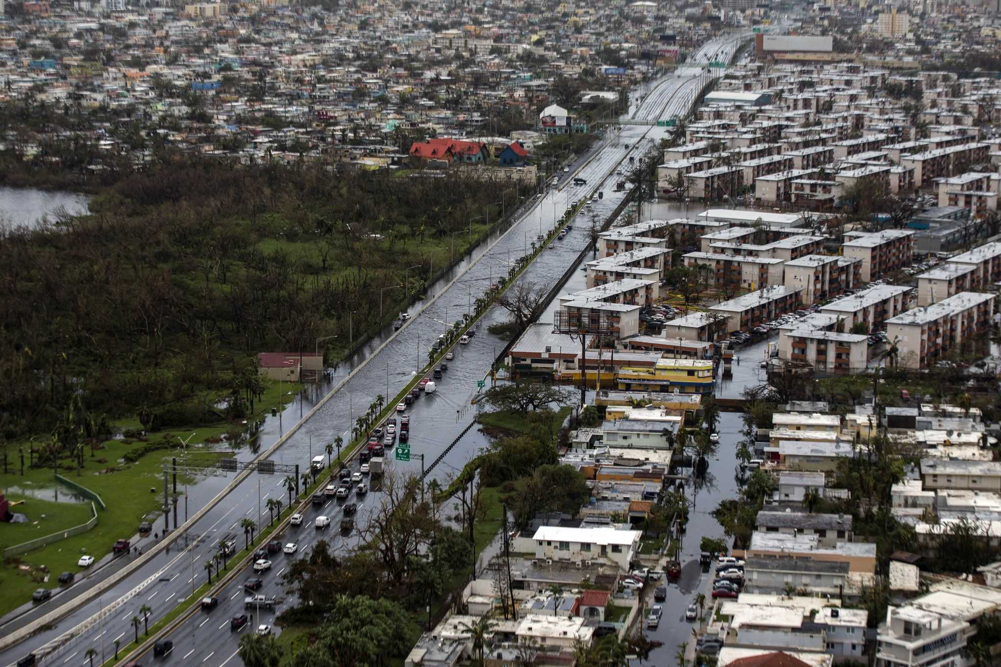Aid begins to flow to Puerto Rico, facing a growing humanitarian crisis in Maria's aftermath - Chicago Tribune