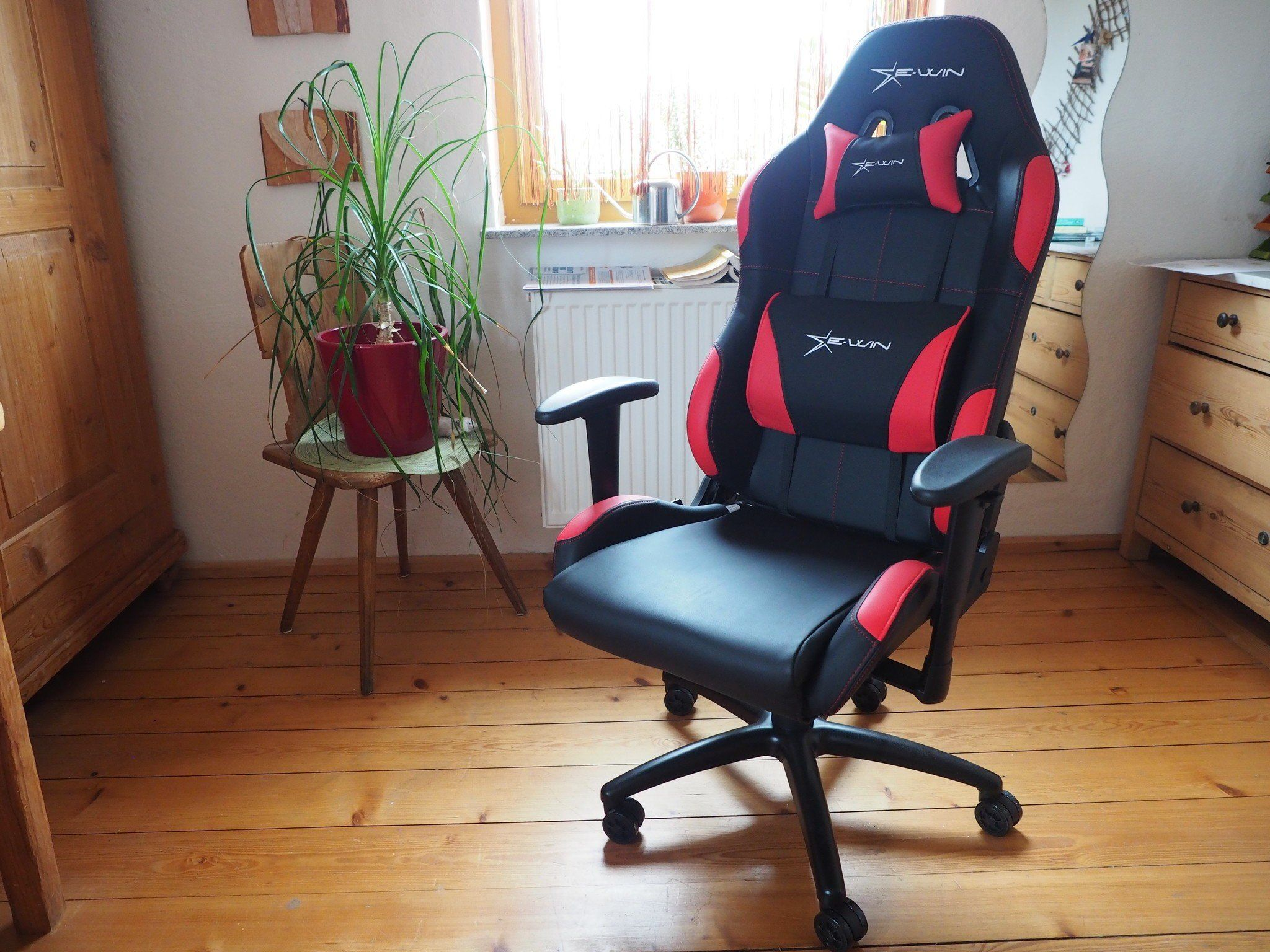 E-Win Racing Gaming Chair review: Your back's new best friend