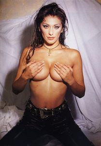 Top 10 des photos les plus sexy de Sabrina Salerno