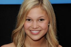 Welcome to our wikizine about Olivia Holt