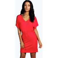 Batwing Tie Shift Dress - red