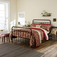 William Morris Strawberry Thief Bedding in Red