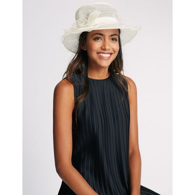 Small Foldable Fluted Hat cream