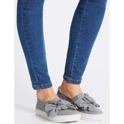 Bow Trainers grey