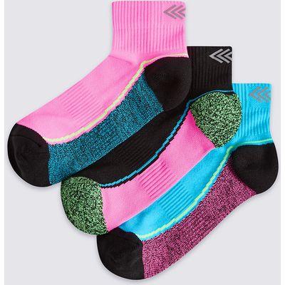 3 Pairs of Freshfeet Sports Socks (3-14 Years)