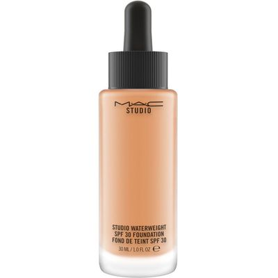 M·A·C Studio Waterweight SPF 30 Foundation, Nc44
