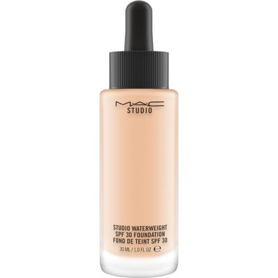 M·A·C Studio Waterweight SPF 30 Foundation, Nw15