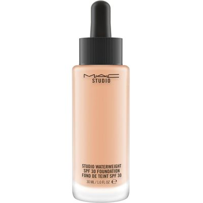 M·A·C Studio Waterweight SPF 30 Foundation, Nw18
