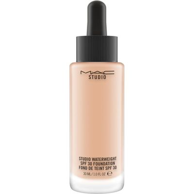 M·A·C Studio Waterweight SPF 30 Foundation, Nw20