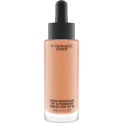 M·A·C Studio Waterweight SPF 30 Foundation, Nw35