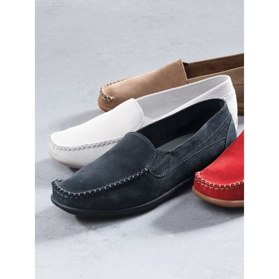 Moccasins from Sioux white