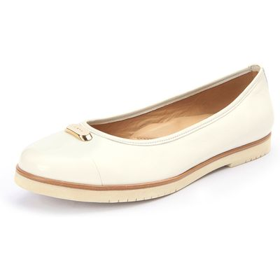 Ballerina pumps from Wirth beige