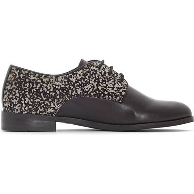 Leather Brogues with Fancy Detail