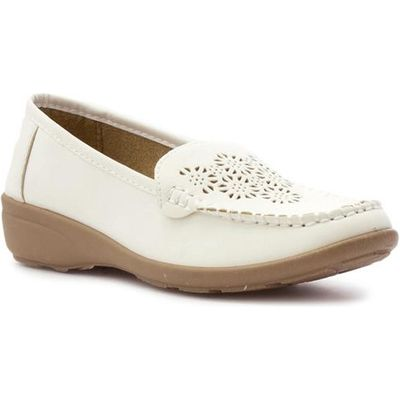 Softlites Womens White Chop Out Casual Loafer Shoe