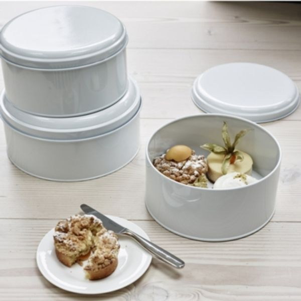 18. Cake Tins – Set of 2, White: £22.8, The White Company