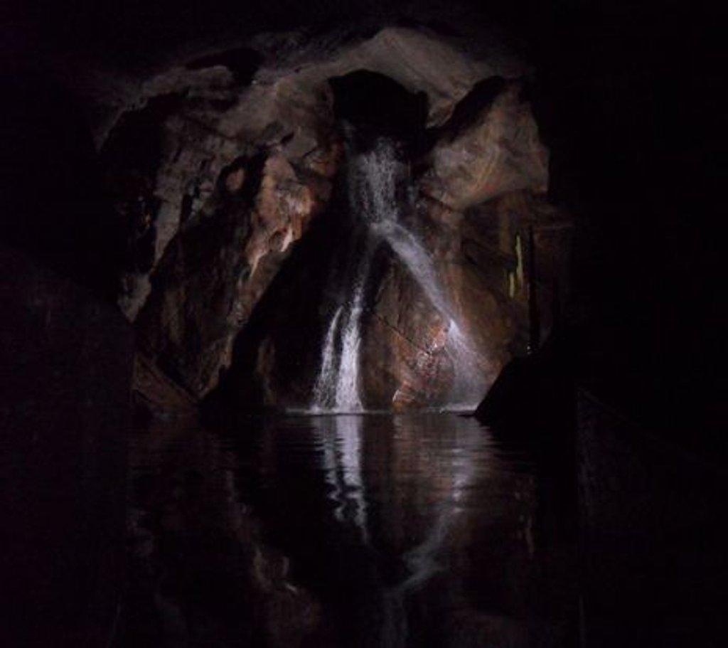 Grottes de Neptune by berend