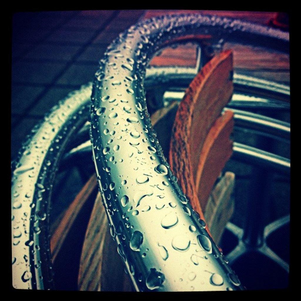 Raindrop chair by manek43509