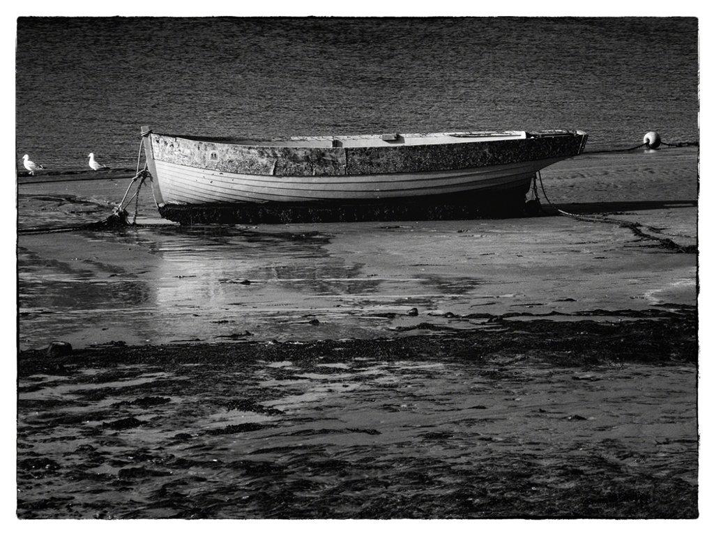 Boat in Film Noir effect by ivan