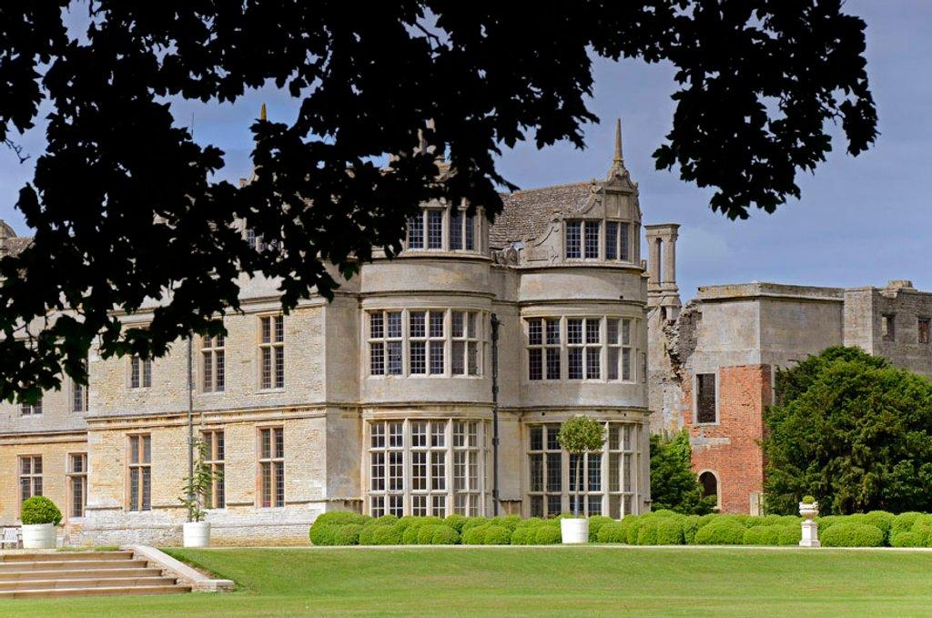 Kirby Hall, Northamptonshire by pistonbroke