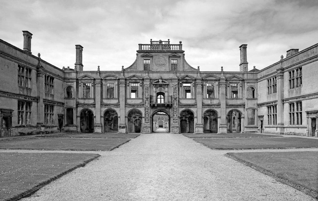 The courtyard, Kirby Hall by pistonbroke