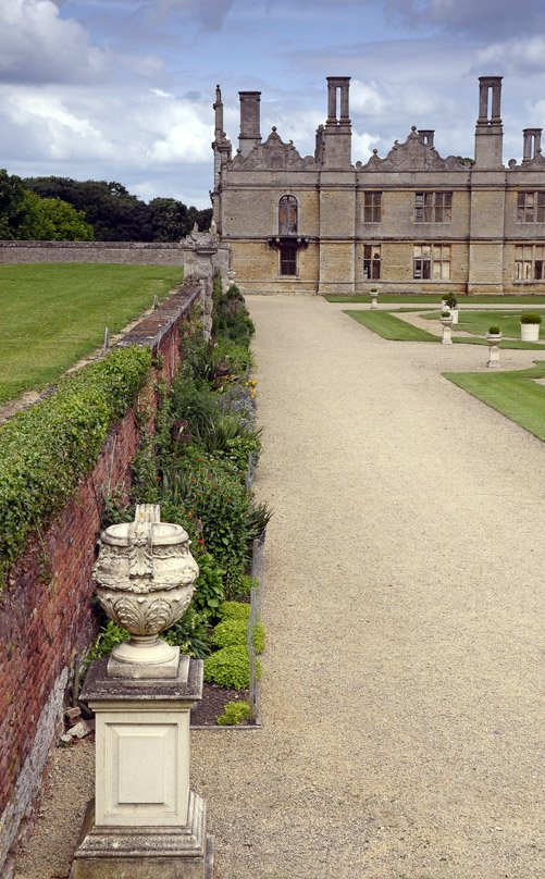 Another view of Kirby Hall by pistonbroke