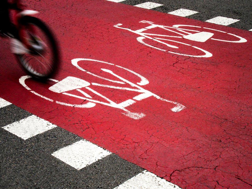 26/365: Bike lane by jborrases