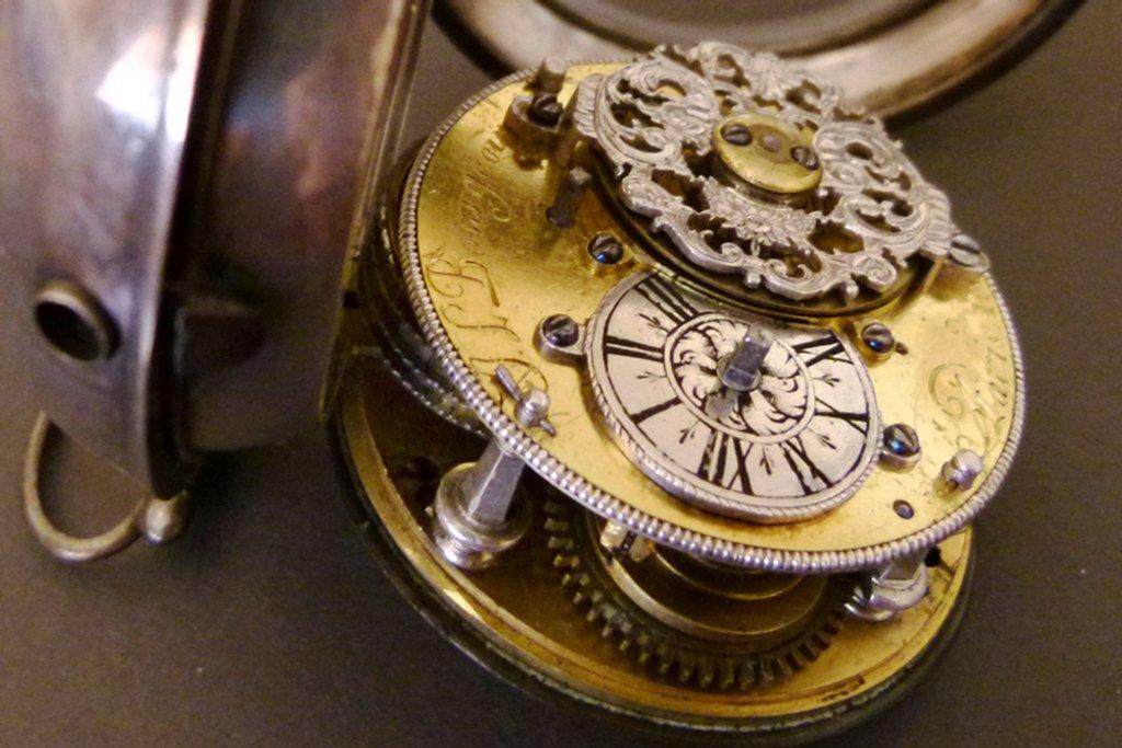 Grandad's  watch  by onewing