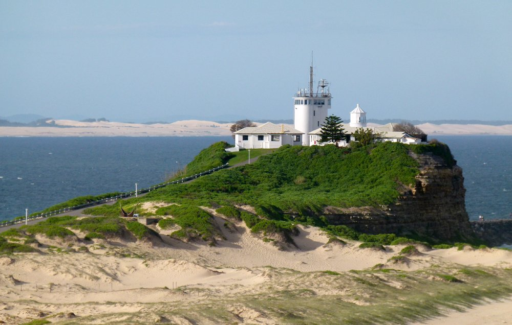 Nobbys Lighthouse - Newcastle by onewing