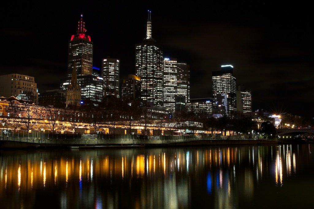 Melbourne City Skyline by lwain
