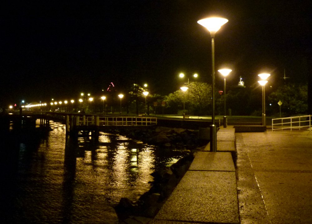 Newcastle Foreshore by onewing