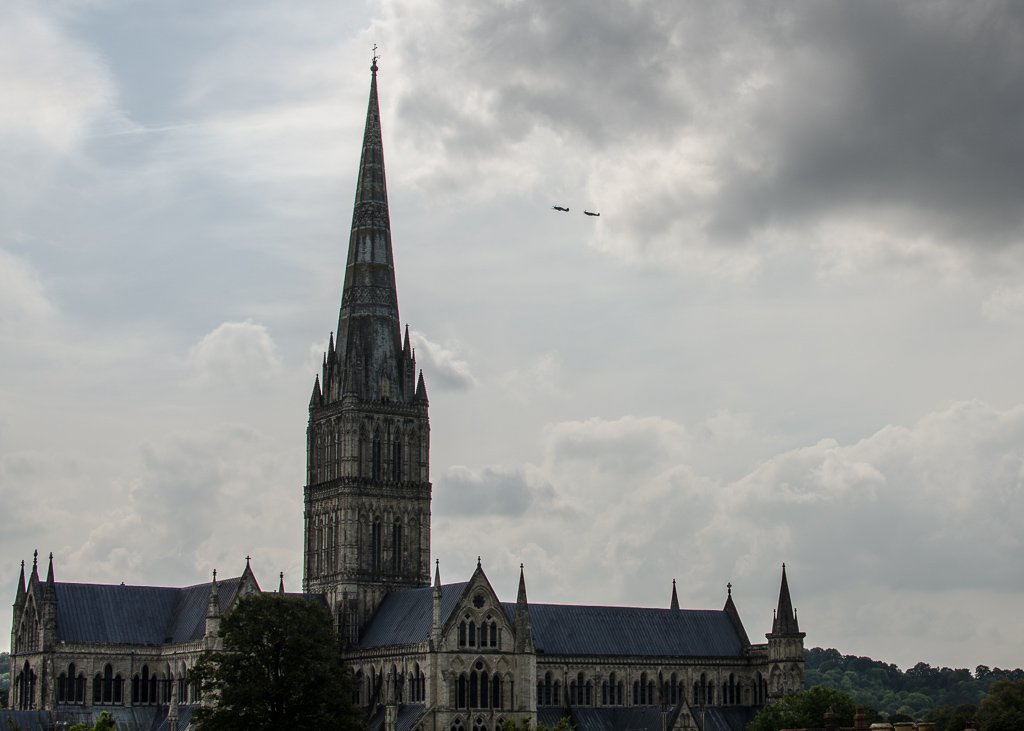 Cathedral fly past 15-09 by barrowlane