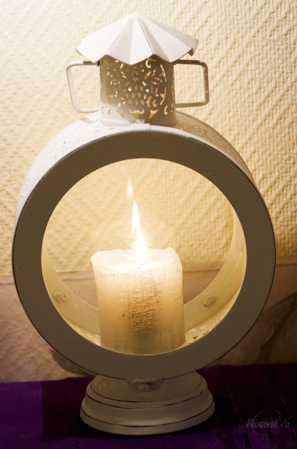 Lantern by elisasaeter