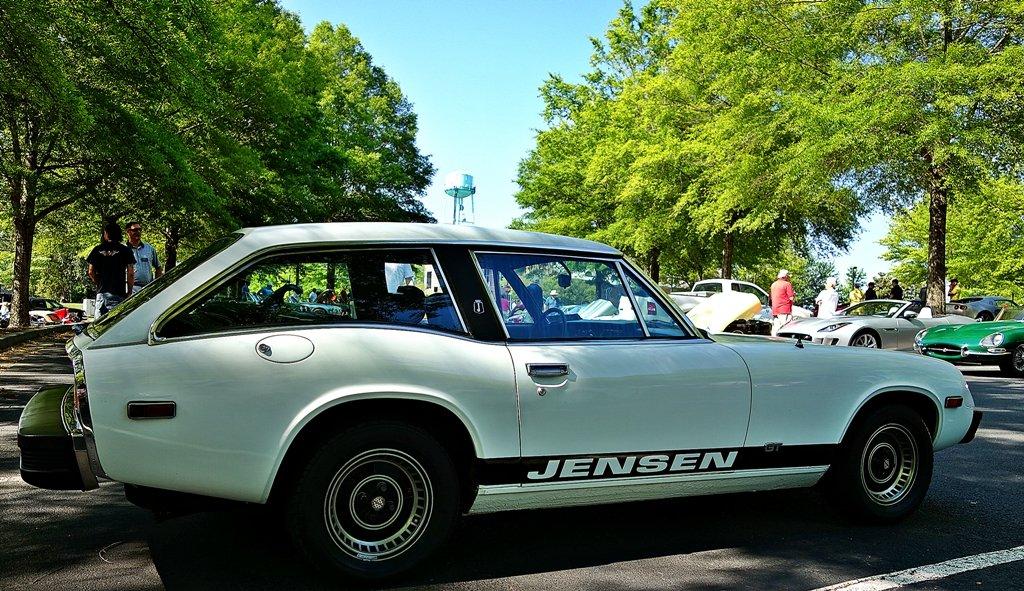 Jensen GT  by soboy5