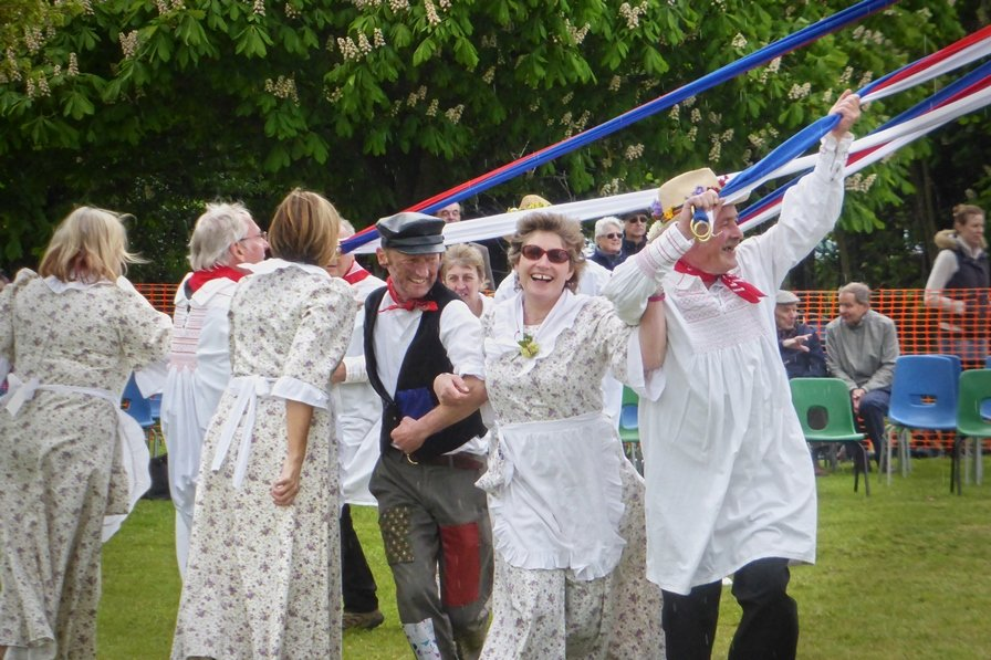 May day in Ickwell by helenhall