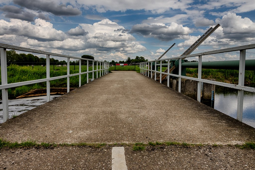 Bridge to the clouds by leonbuys83