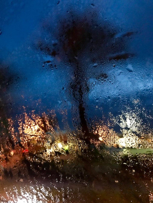 Rainy Friday night☔️ by joemuli