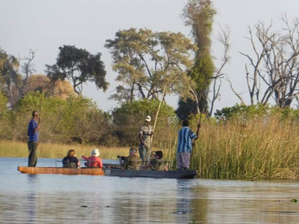 Makoros on the Okavango Delta by cmp