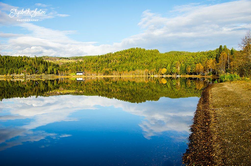 More autumn reflections on Svorksjøen by elisasaeter