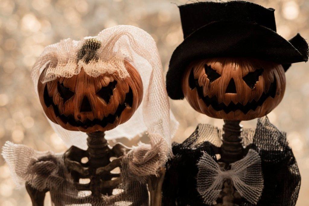 Happy Halloween by bizziebeeme