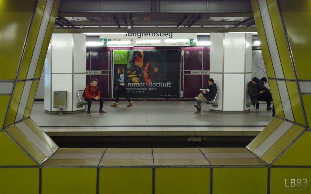 U-bahn Station by leonbuys83